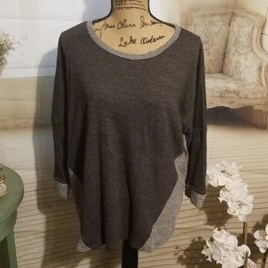 Sunday gray long sleeve tunic blouse (XL)